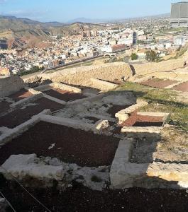 05 Excavaciones interior Castillo Siglo XII y Sinagoga (2)