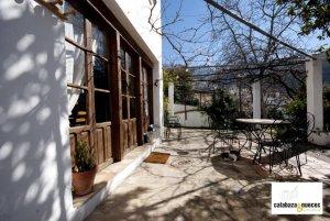 patio-6-opt-900x602