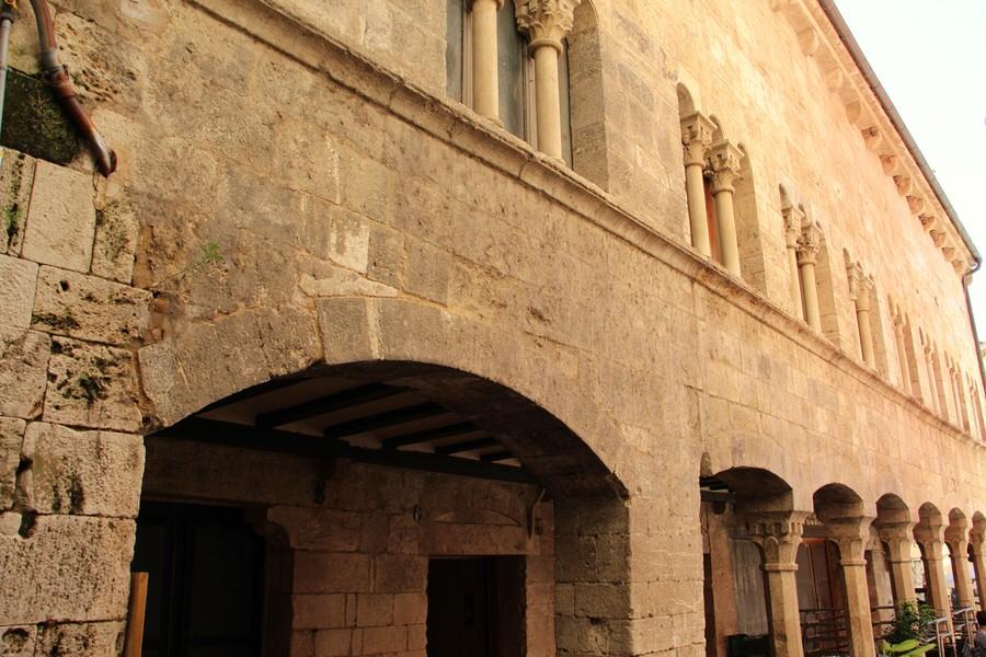 img_4464-2.jpg  -Palacio de la Curia Real-