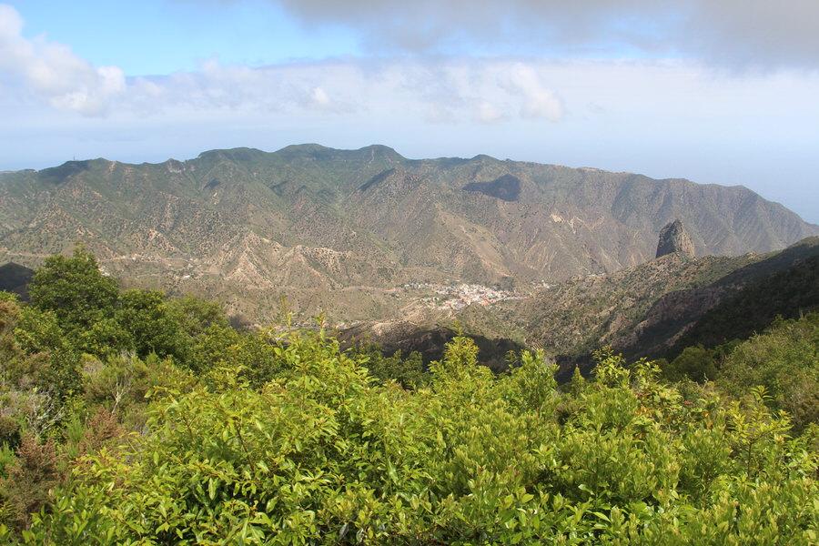 Vistas a Villahermoso y al Roque Cano desde mirador Villahermoso