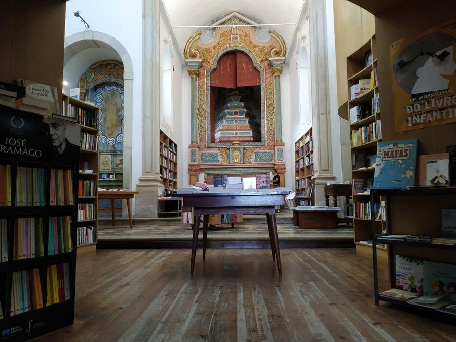 -Iglesia  reconvertida en biblioteca, Óbidos-