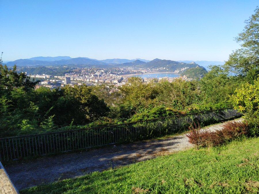 -Vistas de San Sebastián desde El Albergue de Ulía-