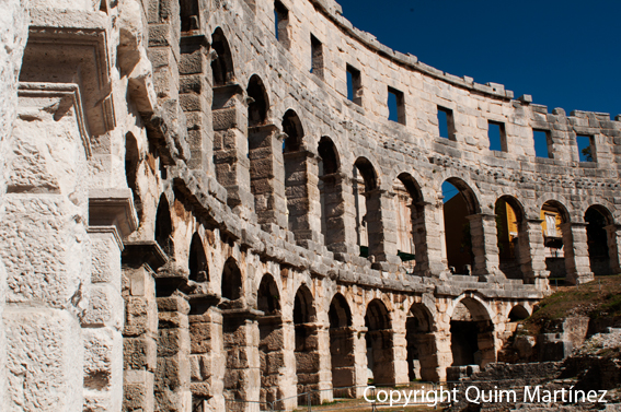 Anfiteatro romano en Pula en la provincia de Istria
