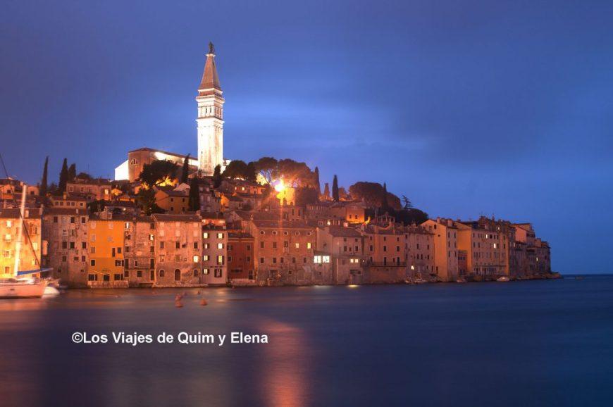 Atardecer en Rovinj en la provincia de Istria