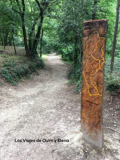 Entrada al bosque encantado de Gurb