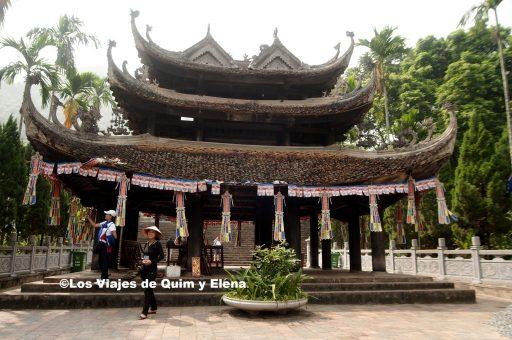 Interior de la Pagoda del Perfume