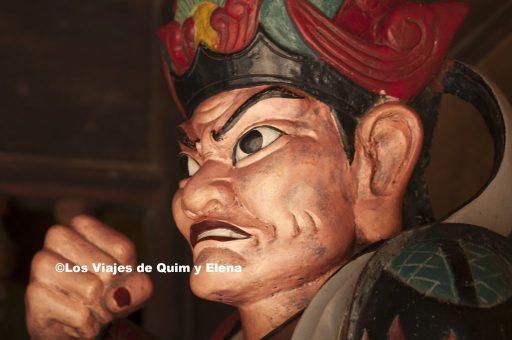 Estatua en la Pagoda del Perfume