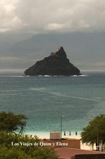 Isla de los pájaros desde Mindelo
