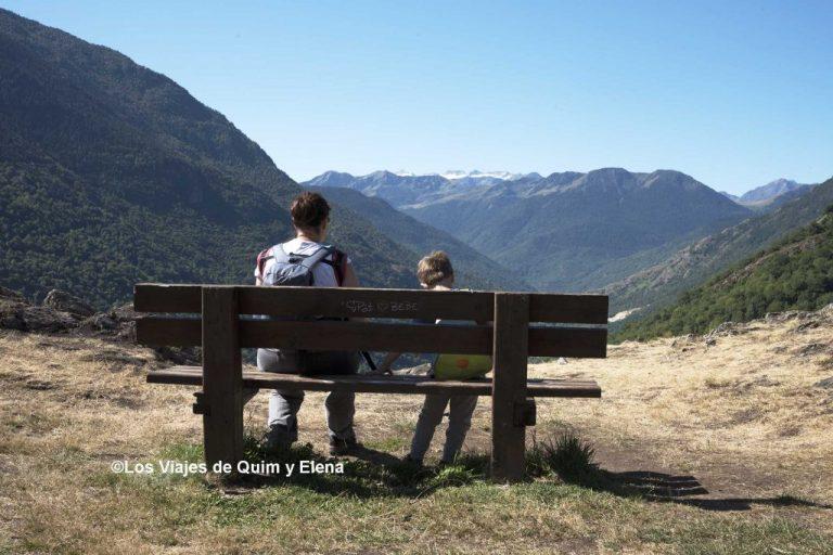 Elena, Álex y Éric disfrutando del paisaje