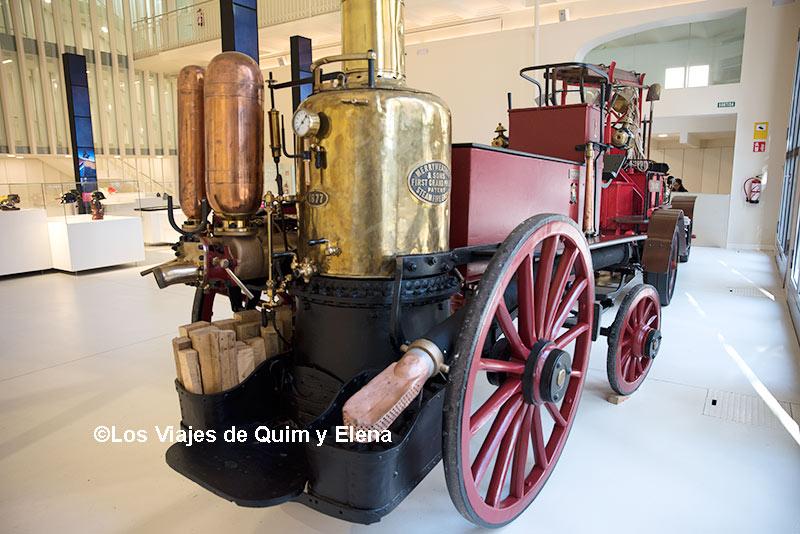 Vehículo histórico en el Museo de Bomberos de Barcelona