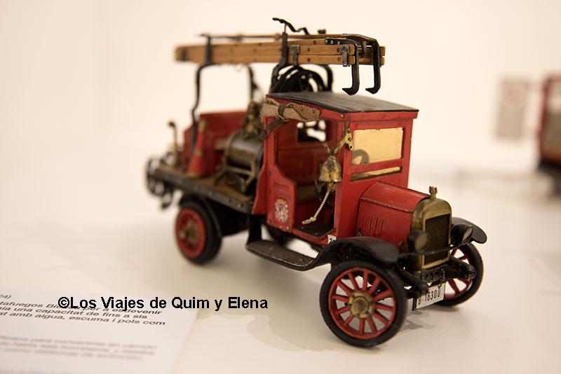 Camión en miniatura en el museo de bomberos de Barcelona