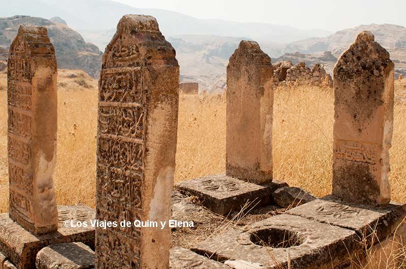 Tumbas en las ruinas de Hasankeyf