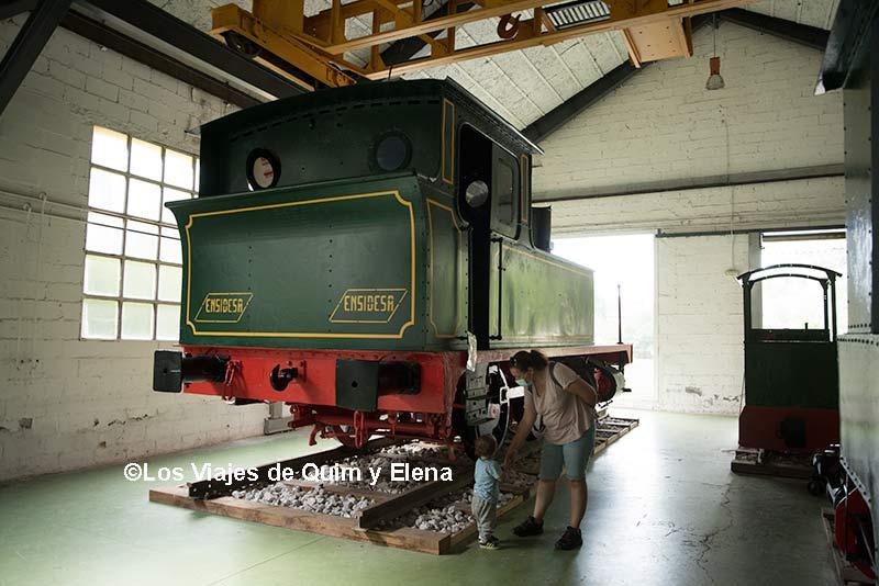 Alucinando con los trenes del Museo Minero