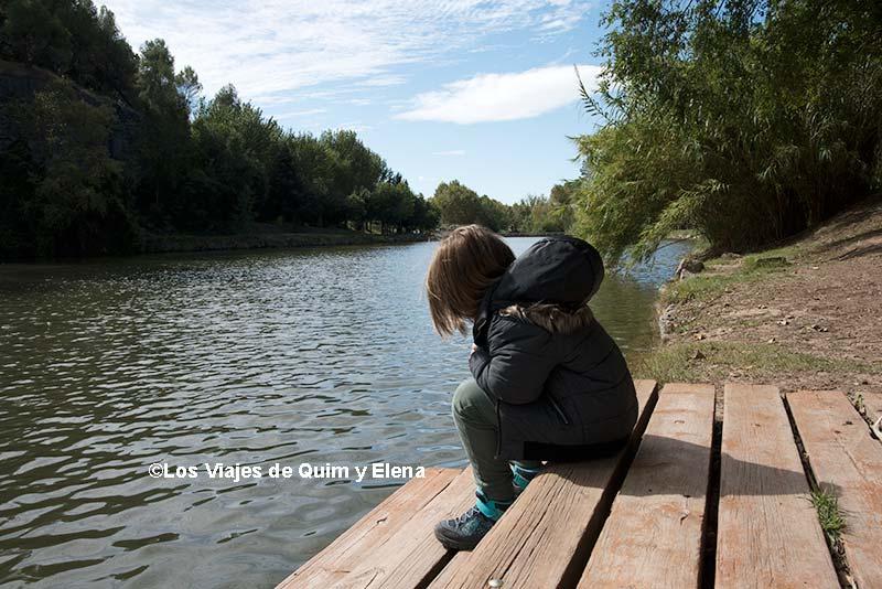 Éric junto al lago