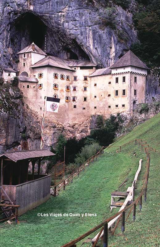 Castillo de Predjama, ruta en coche por Eslovenia