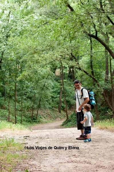 Éric y Álex en el Bosc Encantat de Gurb