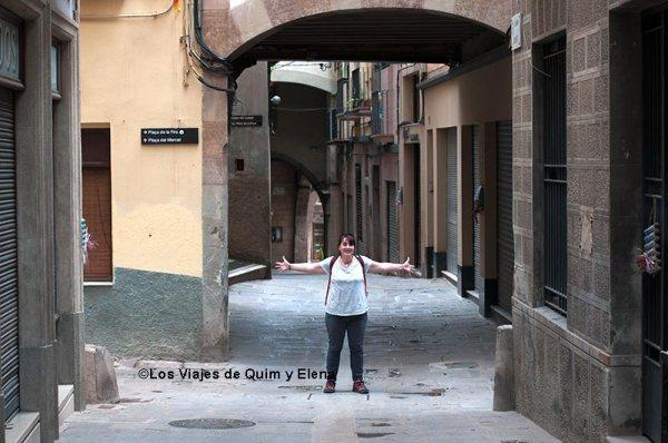 Elena en las calles de Cardona