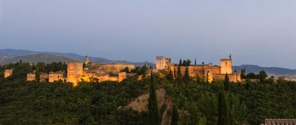 alhambra-872597_640