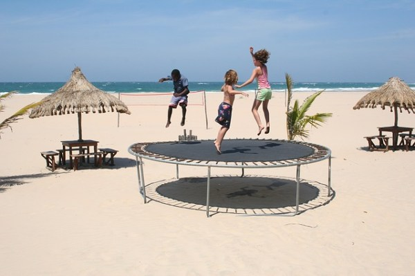 trampoline-241899_640