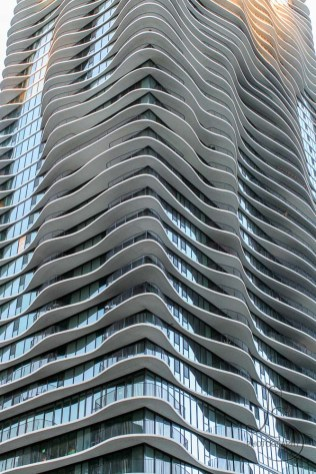 Wavy decks on the Aqua building in downtown Chicago | LotsaSmiles Photography