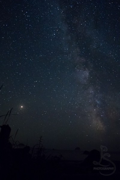The Milky Way and Mars over the ocean | LotsaSmiles Photography