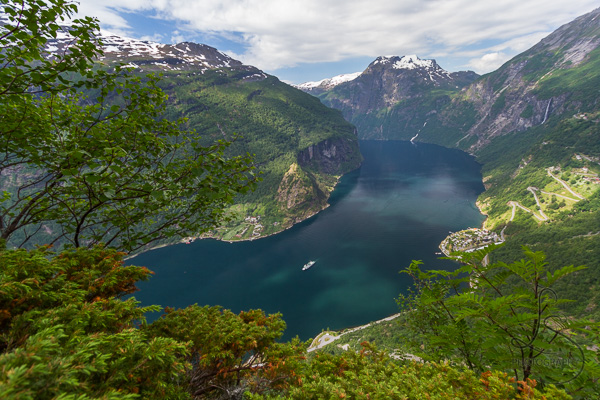 The water of Geiranger Fjord as a cruise ship passes | LotsaSmiles Photography