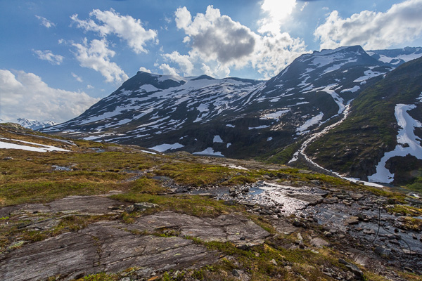 The view from the trail above the Trollstigen viewpoint in Norway | LotsaSmiles Photography