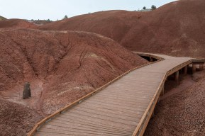 The boardwalk at the Painted Cove Trail at Oregon's Painted Hills | LotsaSmiles Photography