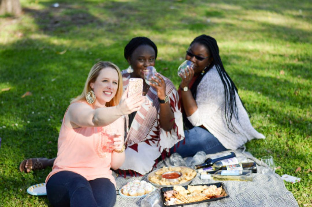 Spring picnic with Winc