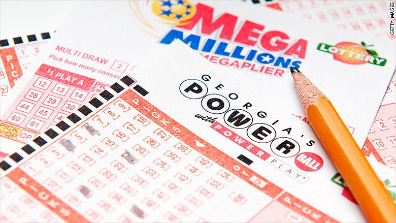 171228095057-mega-millions-powerball-780x439