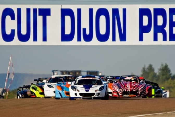 Départ de la course 1, JB Meusnier est devant.