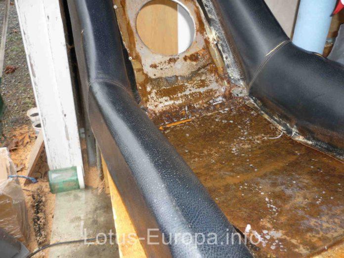 Rusty Lotus Europa seat