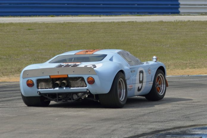 Jeff McKee - 1968 Superformance GT40