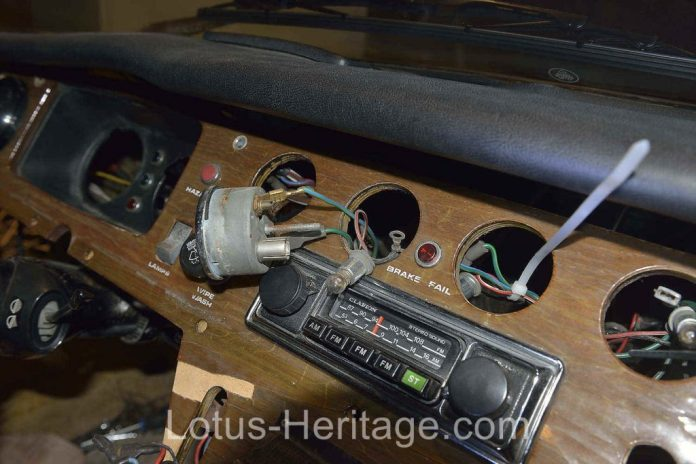 Removing the Lotus Europa dash