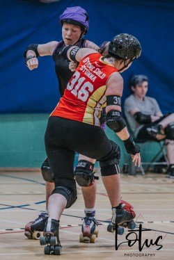 Lotus Phtotography Bournemouth Dorset Roller Girls Roller Derby Sport Photography 205