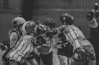 Lotus Phtotography Bournemouth Dorset Roller Girls Roller Derby Sport Photography 251-2