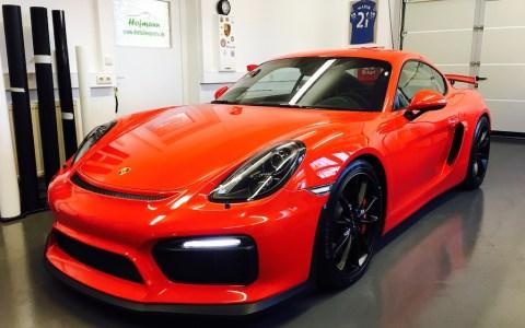 Porsche GT4 rot