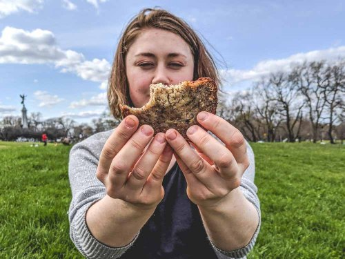 Super moist vegan banana nut bread, the perfect edible on the go! // The Loud Bowl