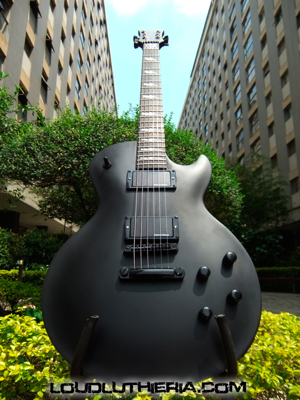 Les Paul blackened