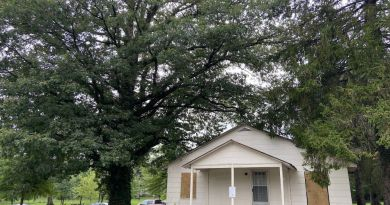 Demolition Eyed for Pullen House, Purcellville Council Seeks to Save Tree