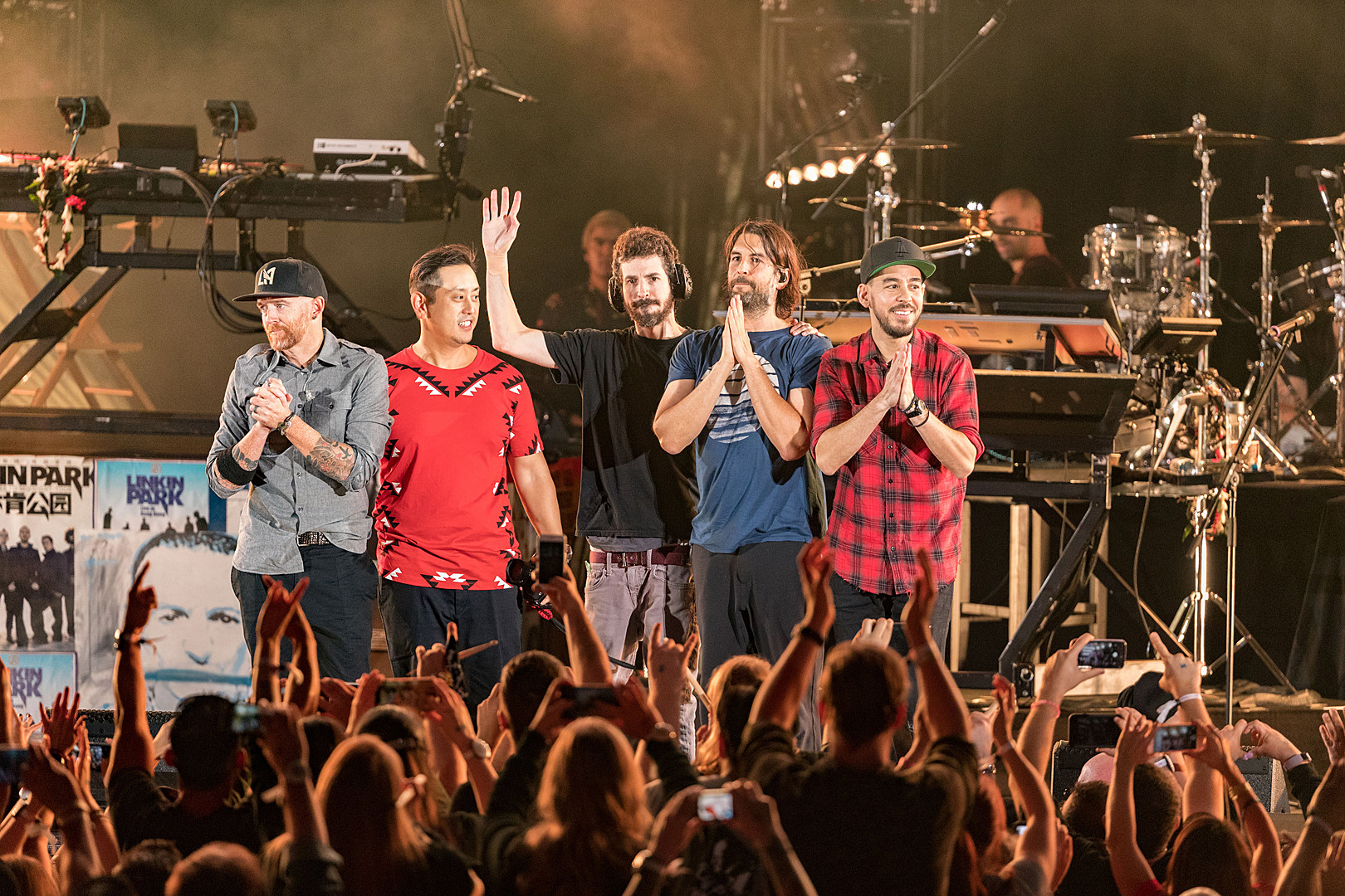 Image result for chester bennington tribute show pictures