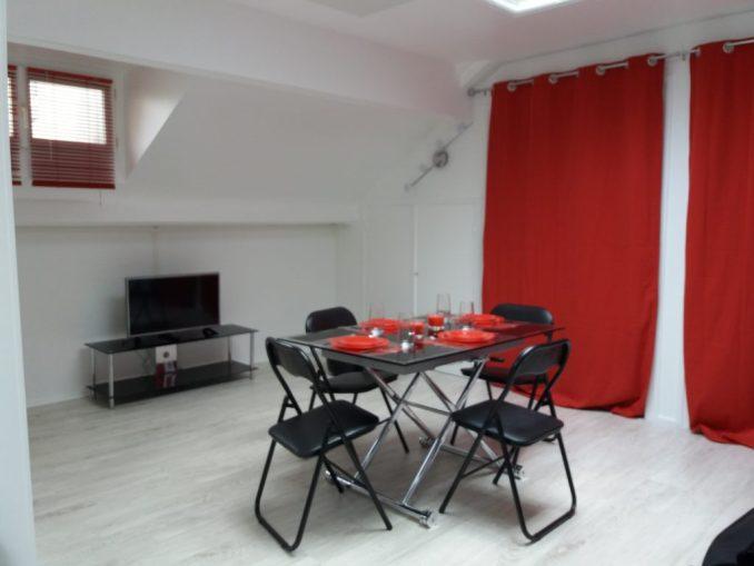 Appartement-salon-rouge