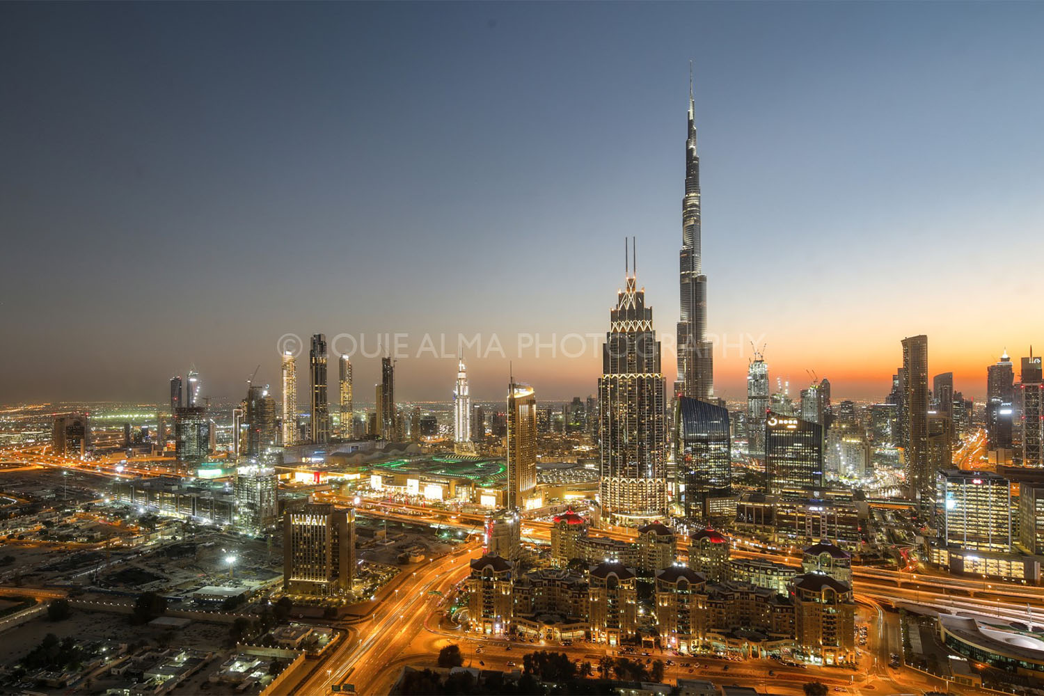 Louie Alma - Landscape Photography, Dubai at Night