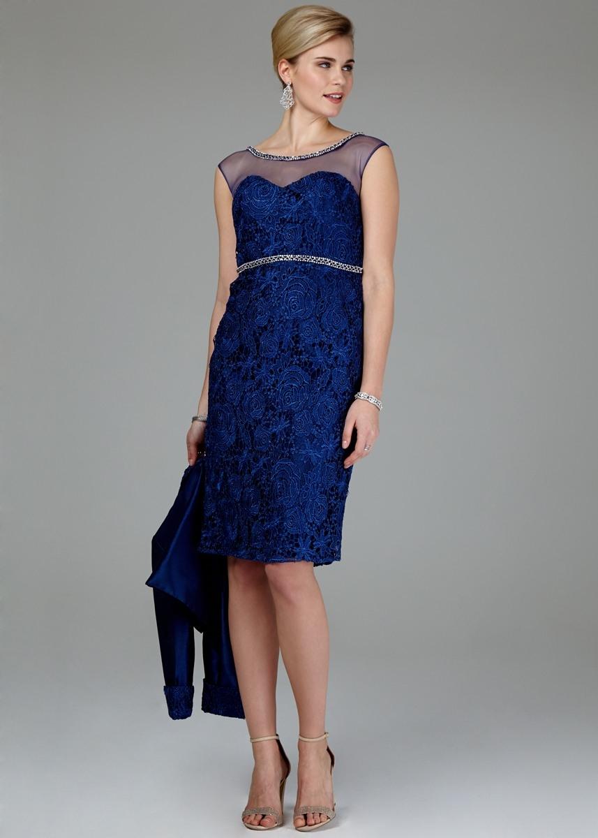Blaues kleid mit rot kombinieren
