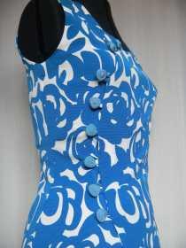 louise-h-robe-bleue-1-min