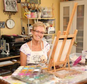 Teresa Cash - guest artist, in studio
