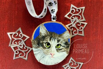 Custom cat portrait on wood slice by Louise's ARTiculations