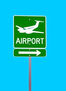 airport-1895173_1280