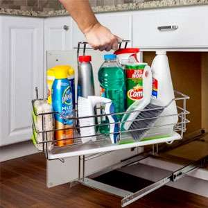 Cleaning caddy pullout