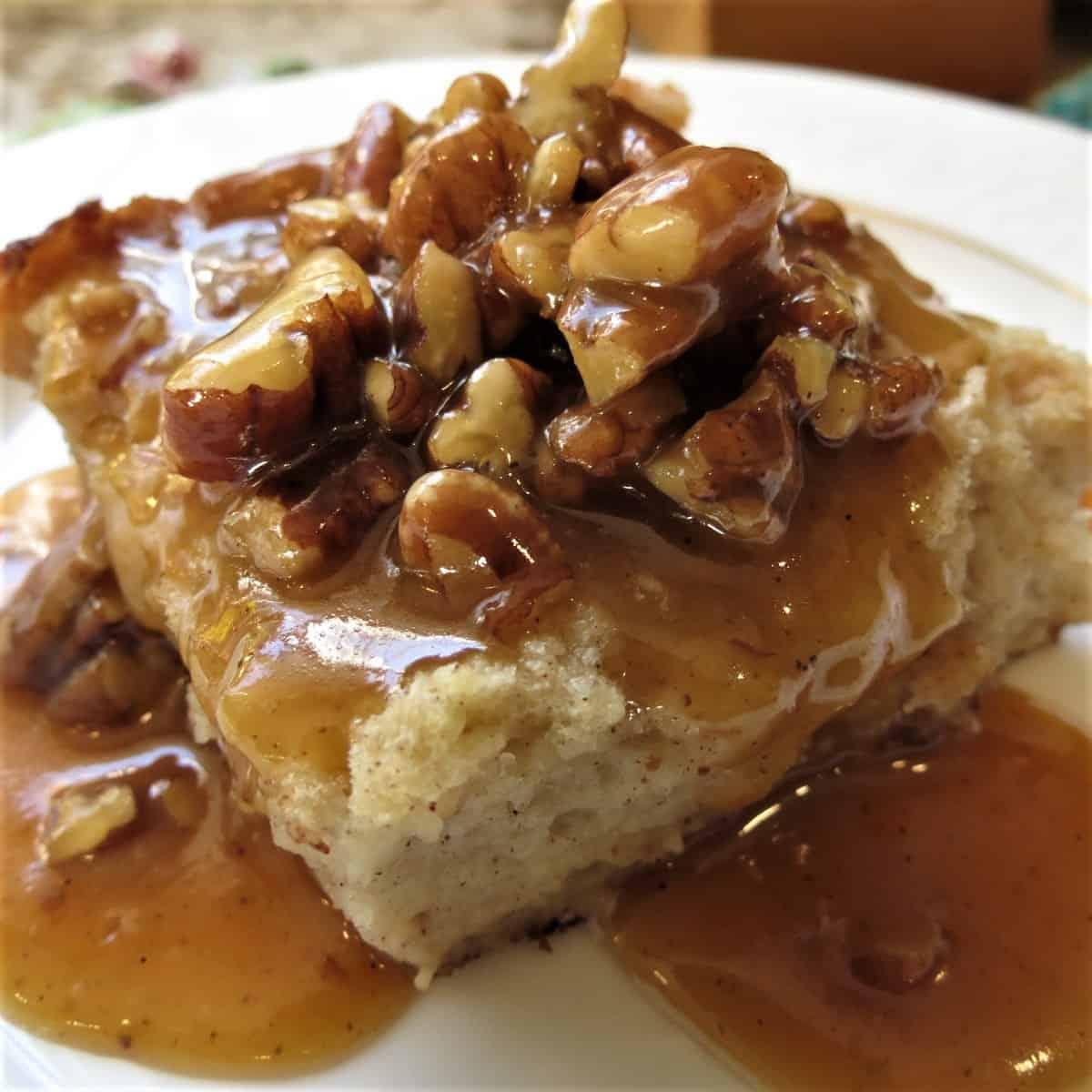 Bread Pudding With Pumpkin Pecan Praline Sauce